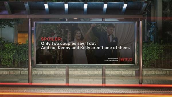 Billboardy ze spoilerami seriali Netfliksa – żeby zostać w domu!