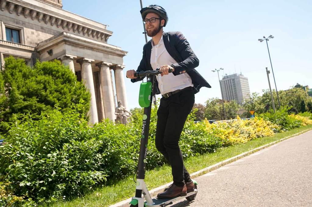 E-hulajnogi Lime wracają na ulice Warszawy