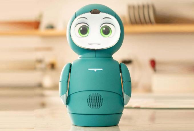 Zielony robot Moxie (z przodu)