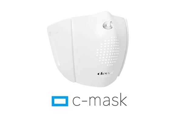 Maseczka C-Mask tłumaczy mowę na 8 języków!
