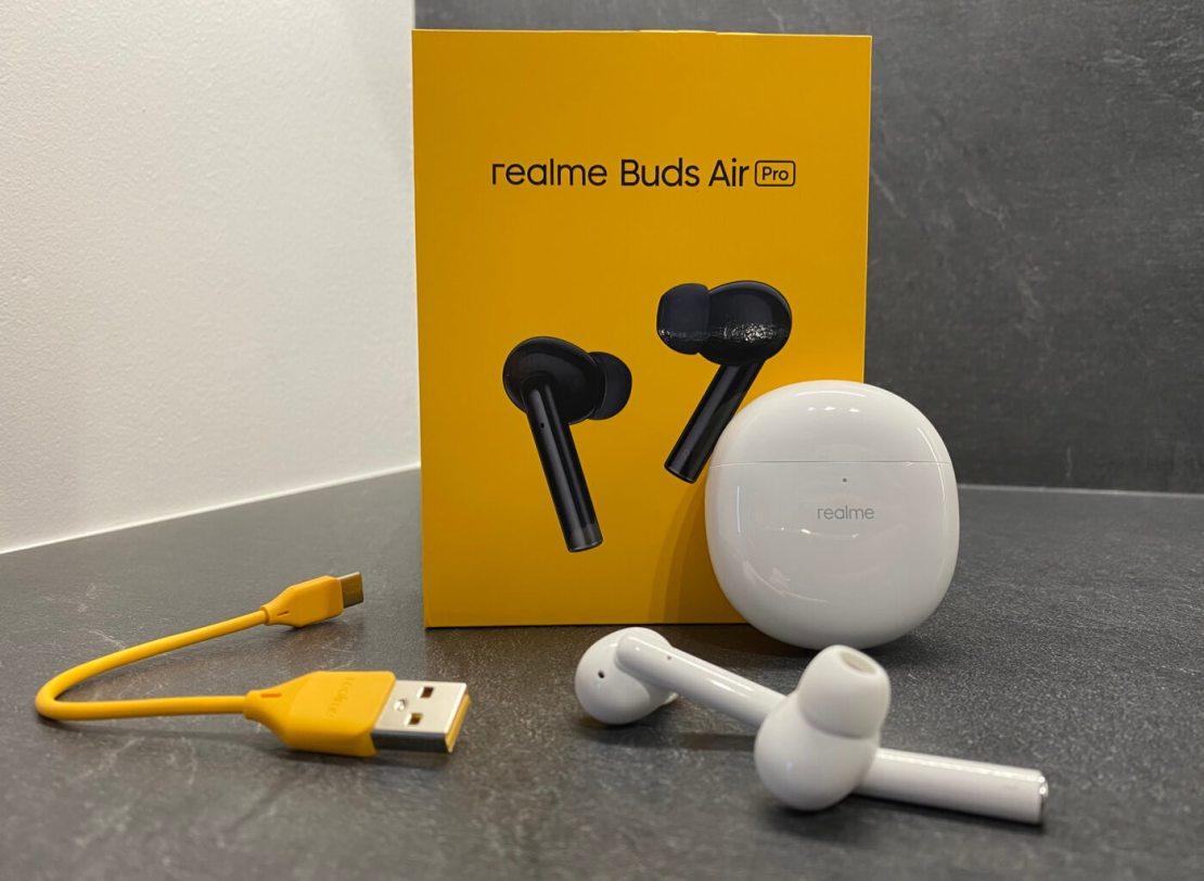 realme Buds Air Pro: słuchawki, opakowanie, kabel, etui
