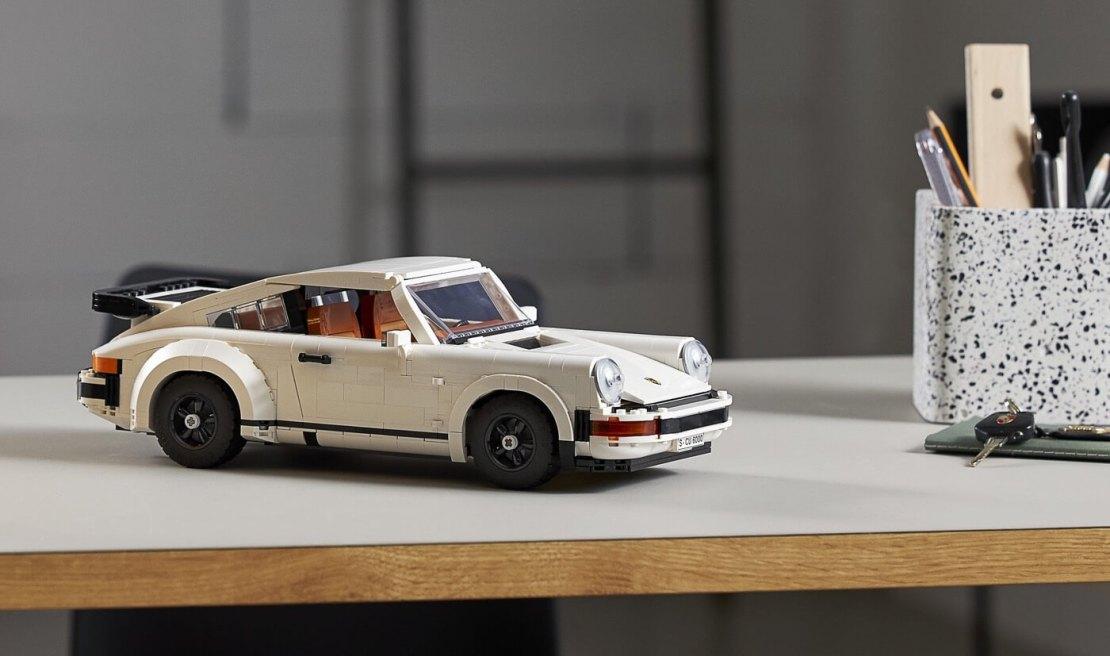 Porsche 911 Turbo (Lego Creator #10295)