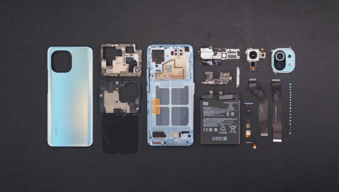 Xiaomi Mi 11 – rozebrany na części