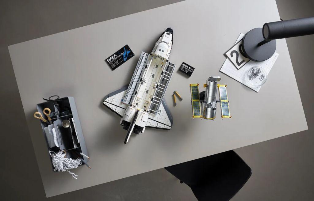 LEGO - Wahadłowiec Discovery NASA (10283) - widok z góry