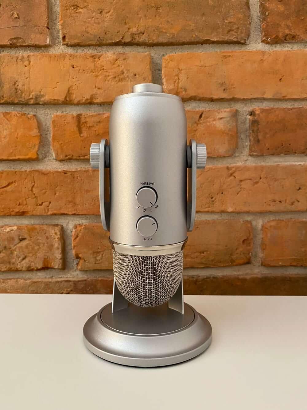 Mikrofon Blue Yeti (srebrny, złożony)