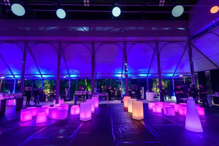 móveis para eventos corporativos, locação de mobiliário LED, festas de final de ano, lançamentos de produtos