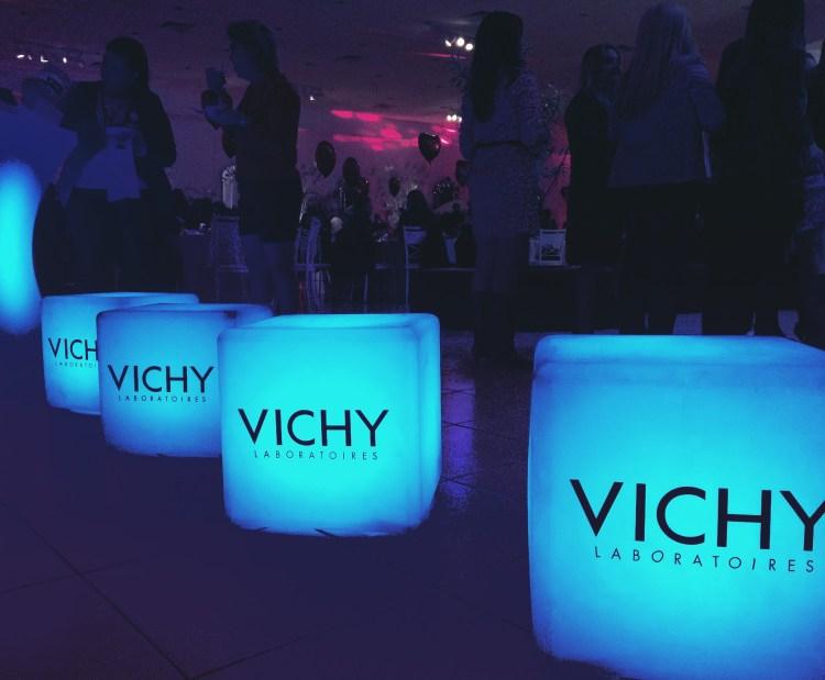 móveis para eventos corporativos, locação de mobiliário LED, festas de final de ano, lançamentos de produtos, mesas LED