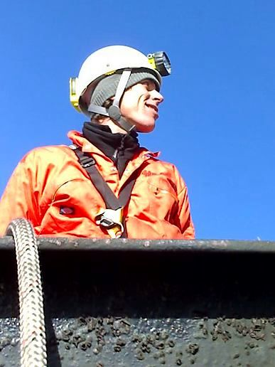 https://i1.wp.com/moblog.net/media/g/r/e/greenpeaceuk/greenpeace-climber-at-the-top-of-didcot-coal-fired-power-station.jpg