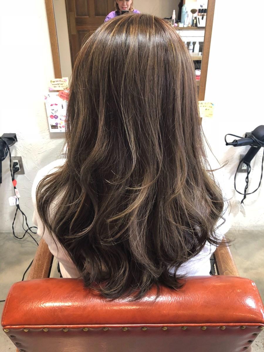 『福山 御幸町 美容室 モカ』2018年秋も白髪染めの方でも、ハイライトはオススメです!