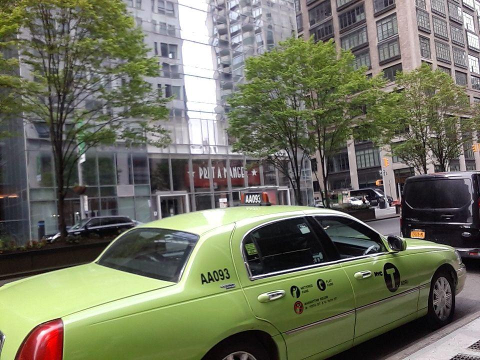 Otra industria colapsada: 84% cayó el uso de taxis en Nueva York por el coronavirus