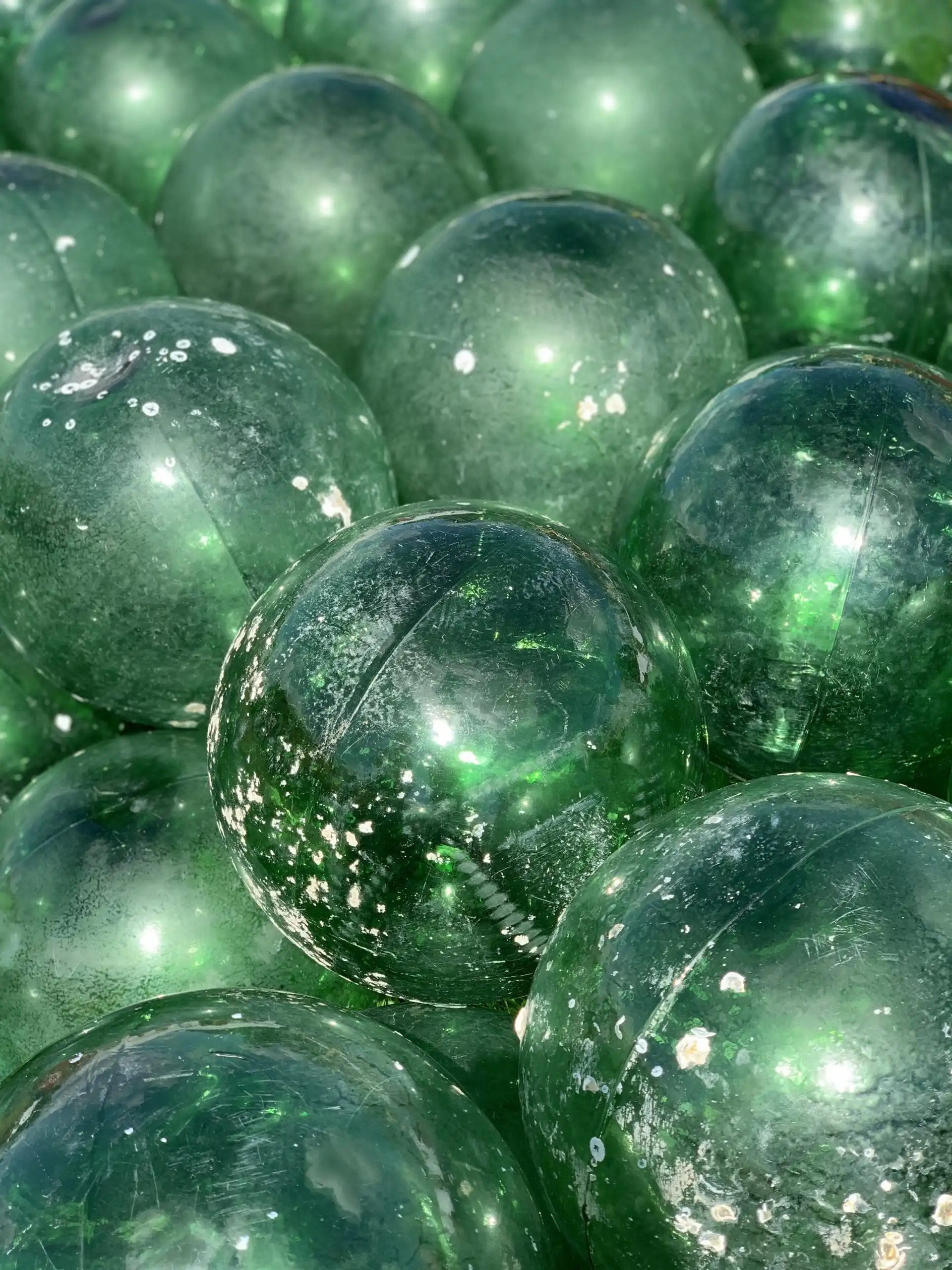 iPhone XS Max photography example: green glass balls