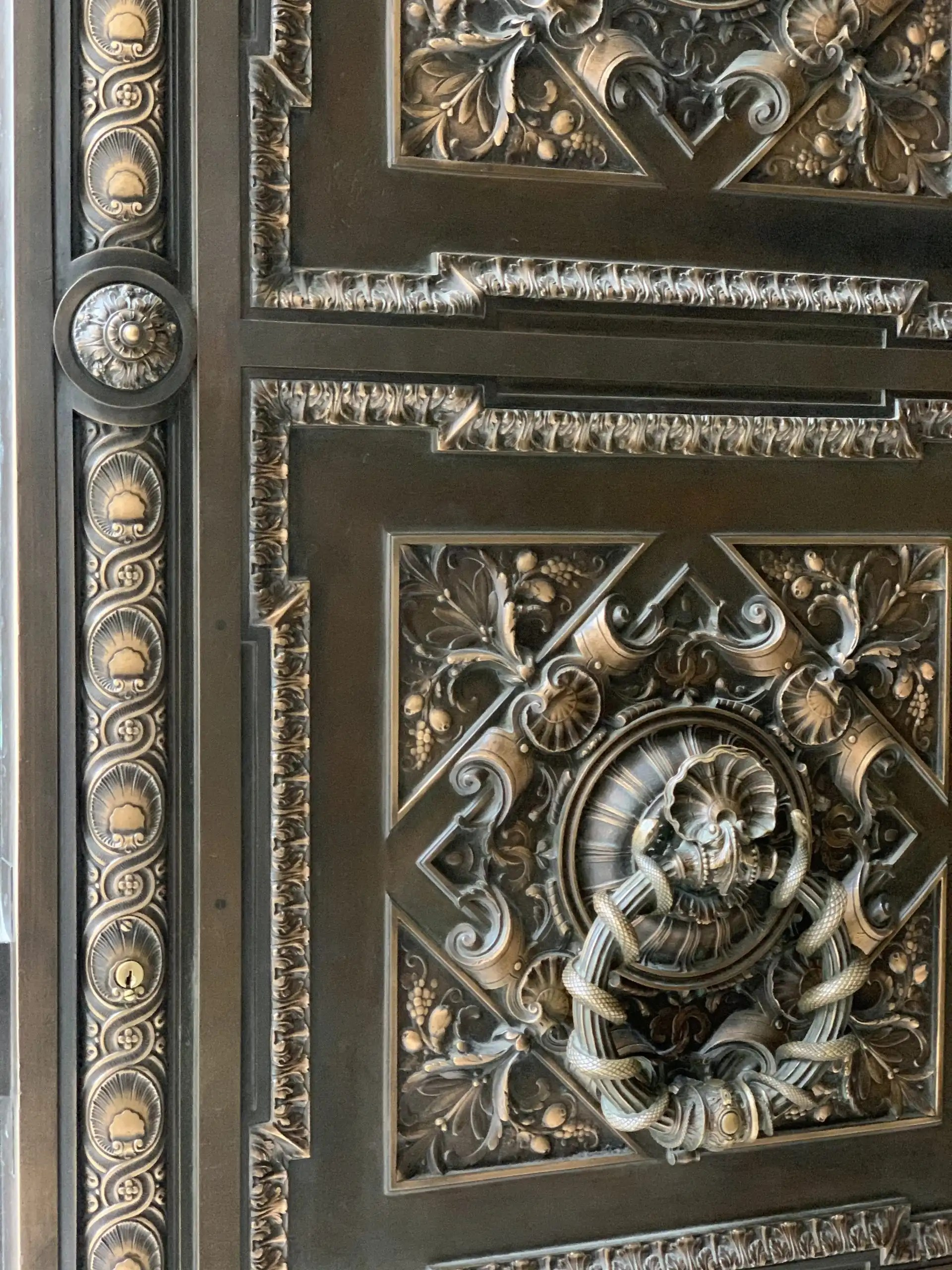 iPhone XS Max photography example: doors of New York Public Library