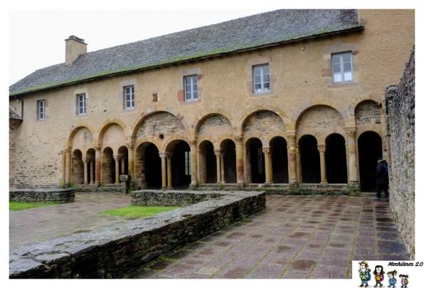 claustro abadia conques