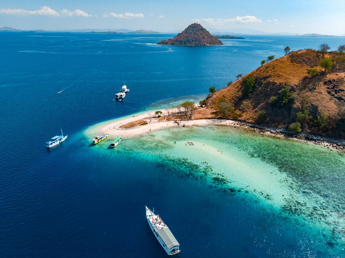 tour barco isla de komodo Indonesia