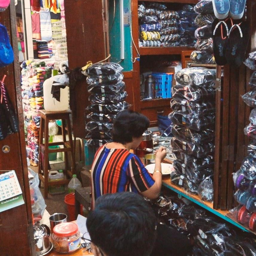 Mercado Bogyoke que hacer yangon