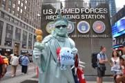 monstruo-come-destinos-Nueva-York