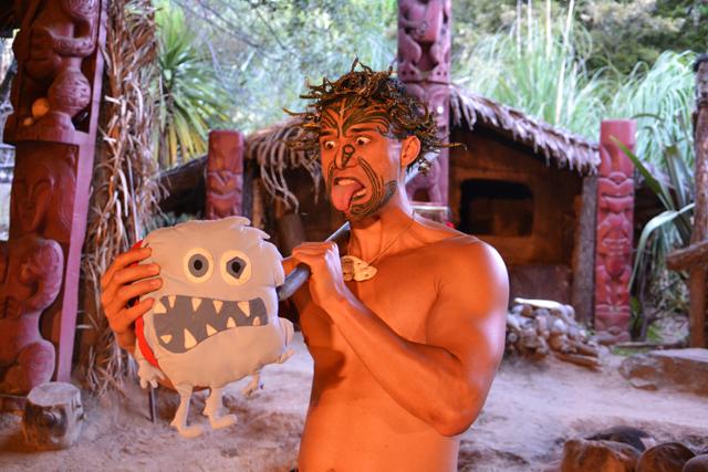 monstruo-come-destinos-guerrero-maorí-Rotorua-Nueva-Zelanda