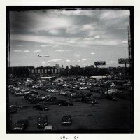 Aeropuerto-Newark-Liberty-avión-aterrizaje