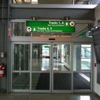 Newark-Liberty-estación-trenes-acceso-vias