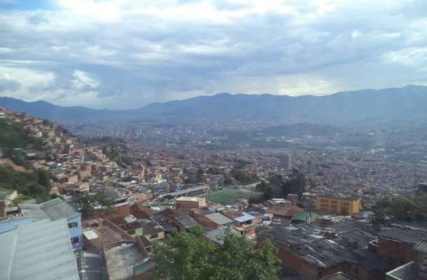 Medellín-Colombia-vista-de-dia