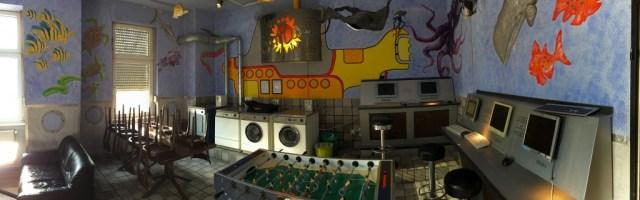 Sunflower-Hostel-Berlin-salon-juegos-lavanderia-panoramica