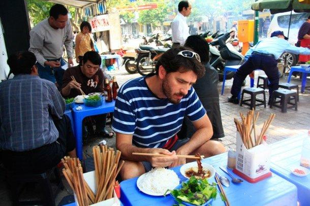 Magia-en-el-Camino-almuerzo-Hanoi-Vietnam