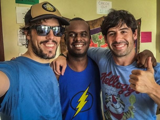 Tijuana Hostel Laercio, Alberto e Iosu de Mochileros TV