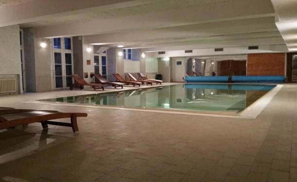 Plus-Berlin-Hostel-piscina