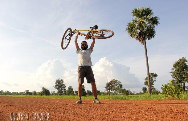 Daniel-Viera-bici-por-camboya