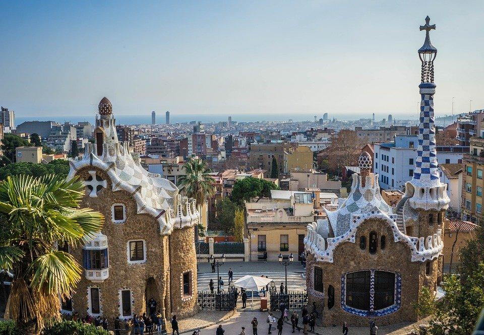 Parque Guell, uno de los lugares imprescindibles que ver en Barcelona