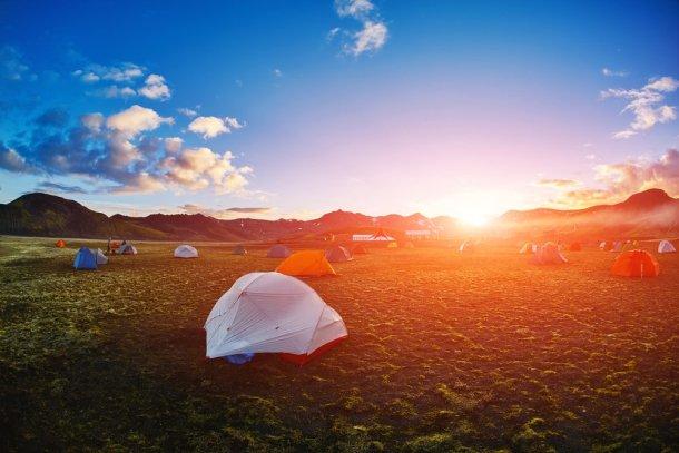 camping en la naturaleza o ahorrar en alojamiento en campings para mochileros
