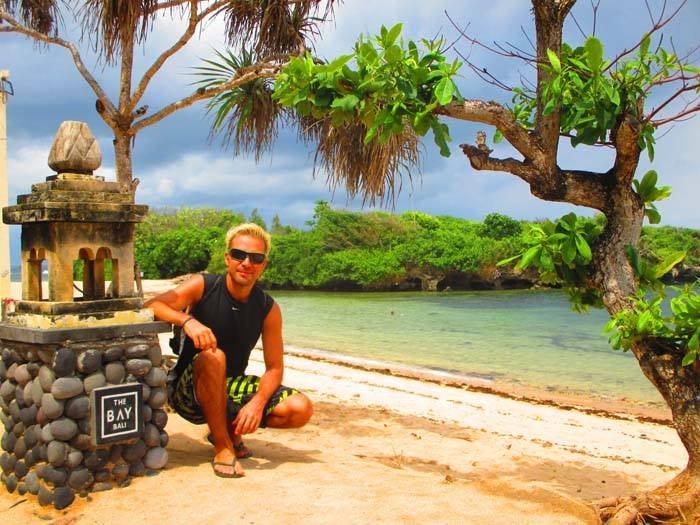 Viviendo por el Mundo, Iván en la playa