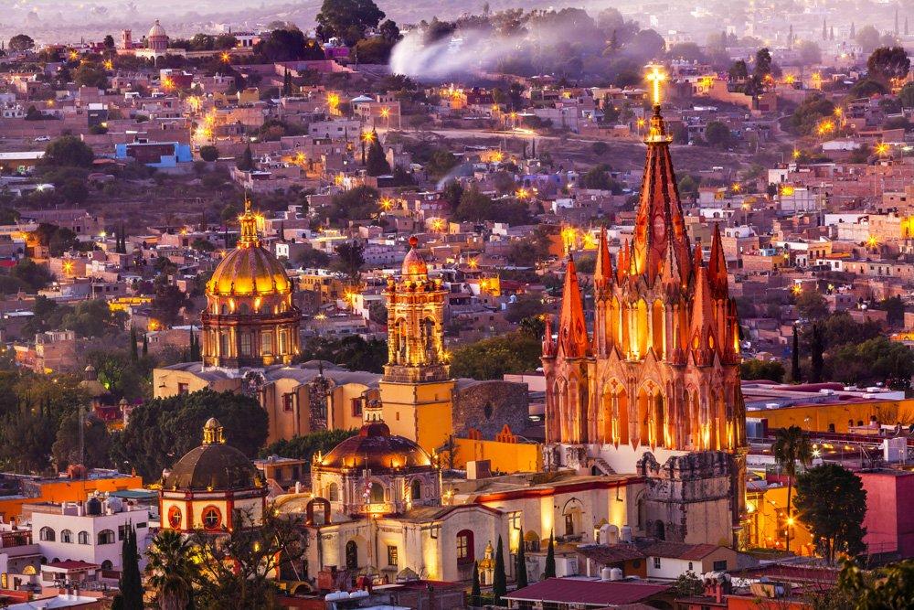 San Miguel de Allende de noche, una de las excursiones cerca de Ciudad de México