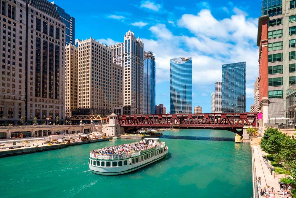 El crucero por el lago Michigan es otro de los lugares que ver en Chicago