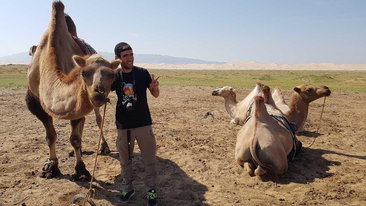 Sergio Alonso de Homesapiens con camellos