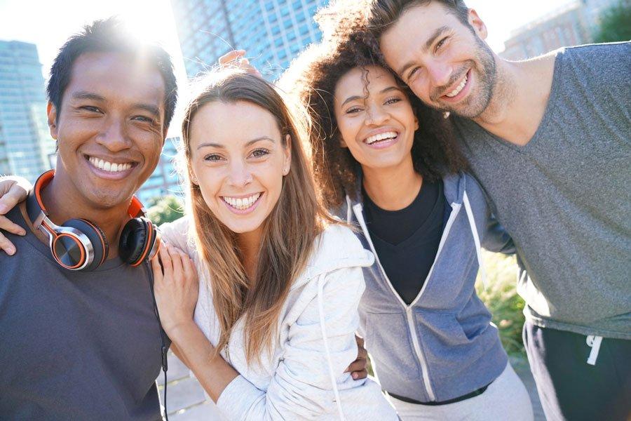 estudiantes de cursos de inglés para adultos en el extranjero