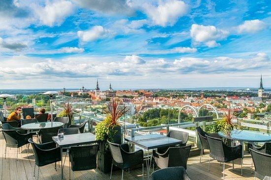 Lounge 24 en el Hotel Radisson Blu Sky de Tallin