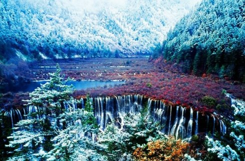 valley Jiuzhaigou -Valley of Nine Villages- is a spectacular national park-Sierra Min Shan, China 10