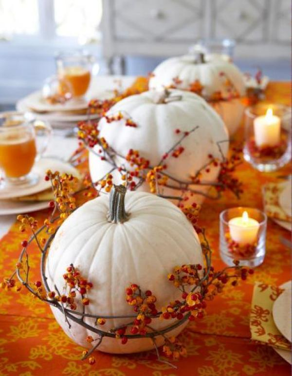 indoor halloween decorating ideas with pumkin 7
