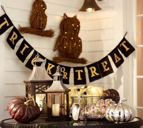 indoor halloween decorating ideas with pumkin 19