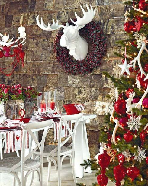 creative christmas table decor ideas  with red color 9