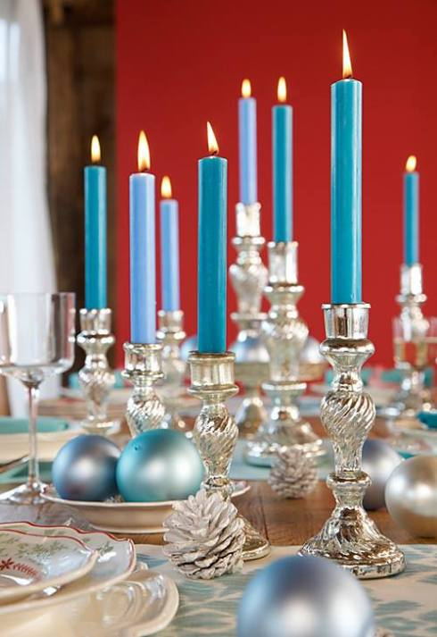 creative christmas table decor ideas  with blue color 22