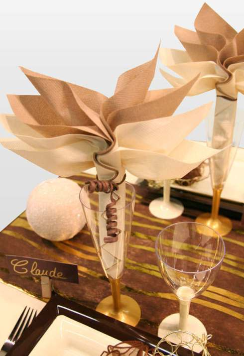 most creative christmas table decor ideas 33