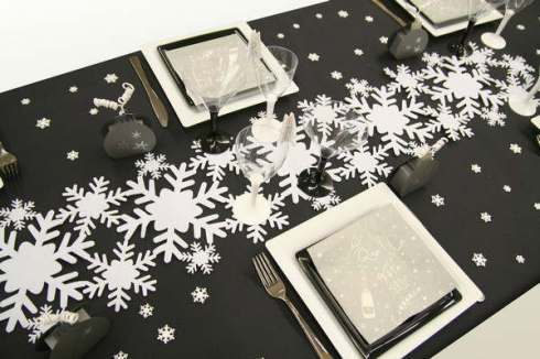 christmas-table-decorations-grey-2014