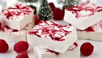 Ice cream christmas desserts moco choco 30 sweet and pretty christmas dessert recipes solutioingenieria Choice Image