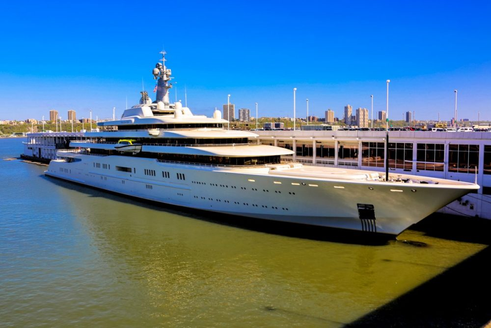 World S Most Expensive Yachts Moco Choco