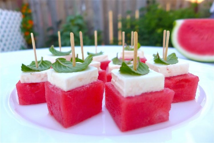 the best summer recipes for parties, watermelon with mint
