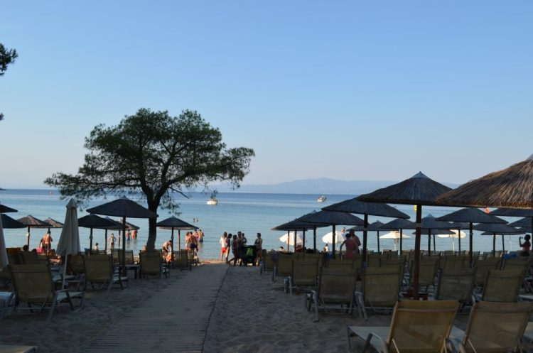 Greece Halkidiki Paliouri beach, best beach bar in Halkidiki, Kursaros 7