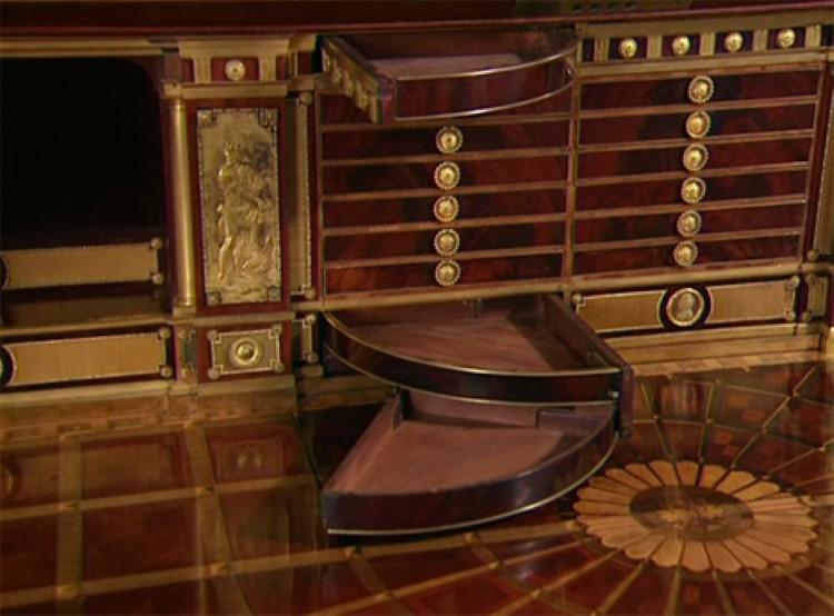 amazing 200 year old hand made desk full of secret compartments moco choco. Black Bedroom Furniture Sets. Home Design Ideas