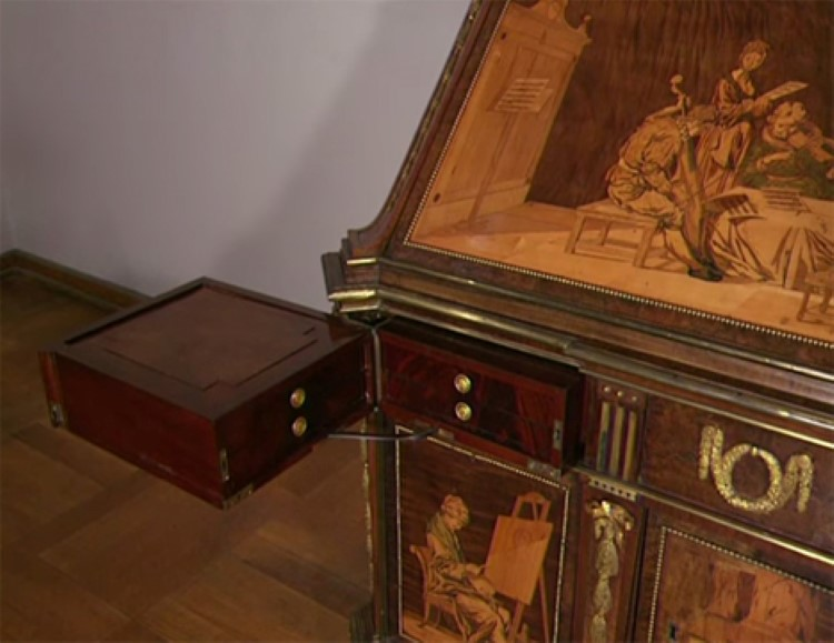 Amazing 200 Year Old Hand Made Desk Full of Secret Compartments ...